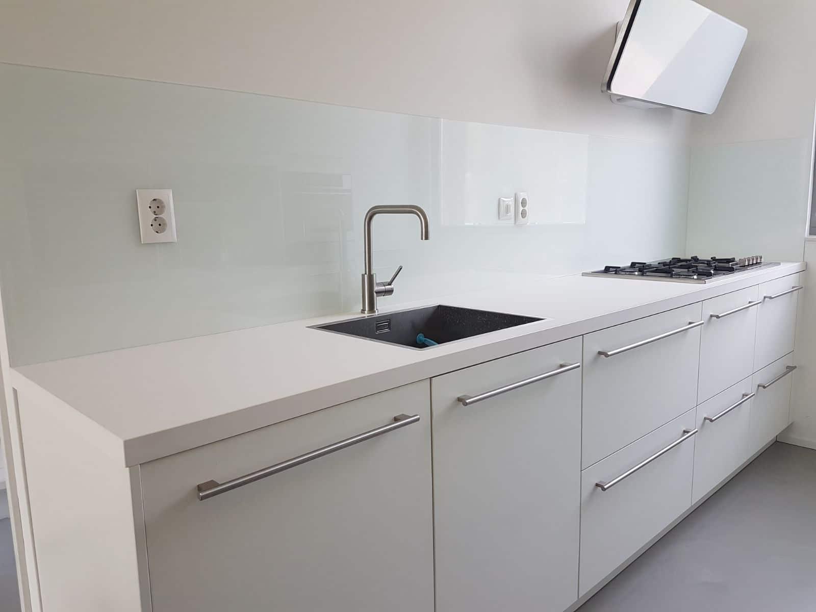 Keuken Achterwand Goedkoop : Glazen achterwand keuken ontdek de mogelijkheden glasbestellen