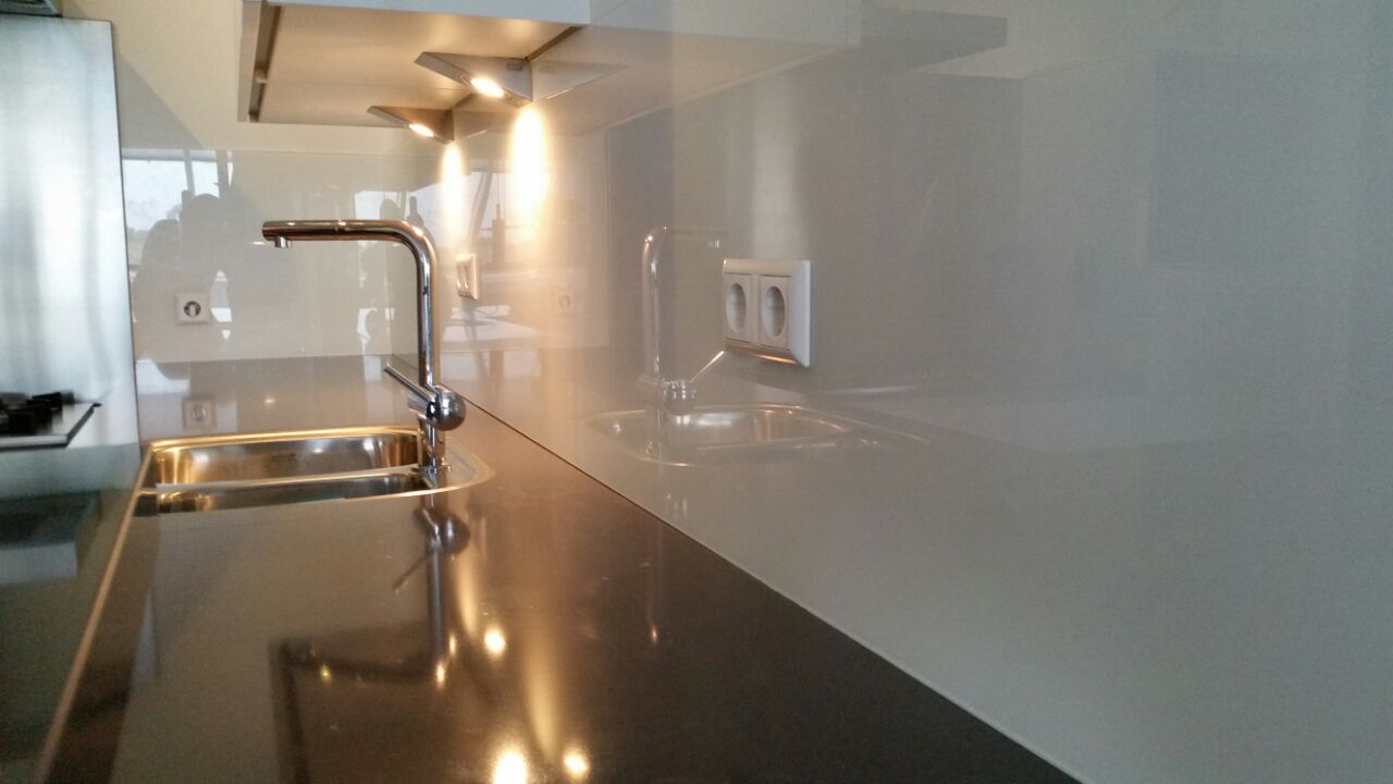 Glas Tegen Achterwand Keuken : Keuken Achterwand Glas Glazen Keuken Achterwand