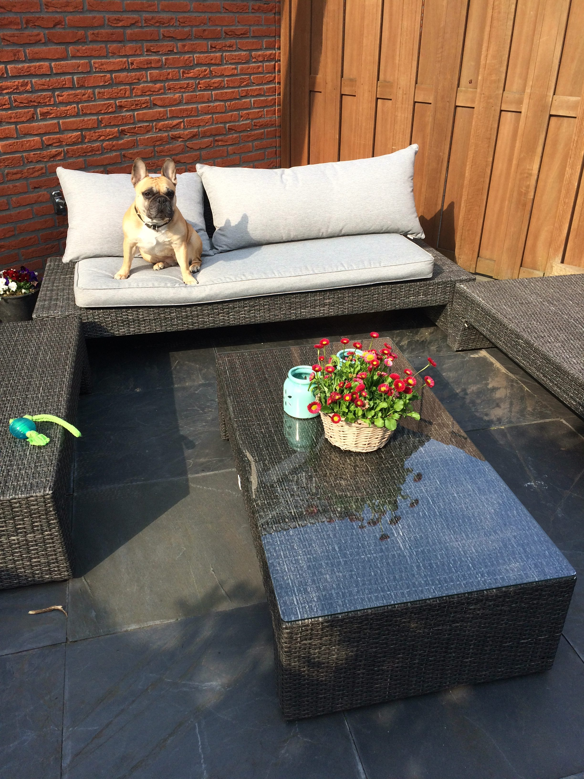 Glazen tafelblad voor tuinset buiten