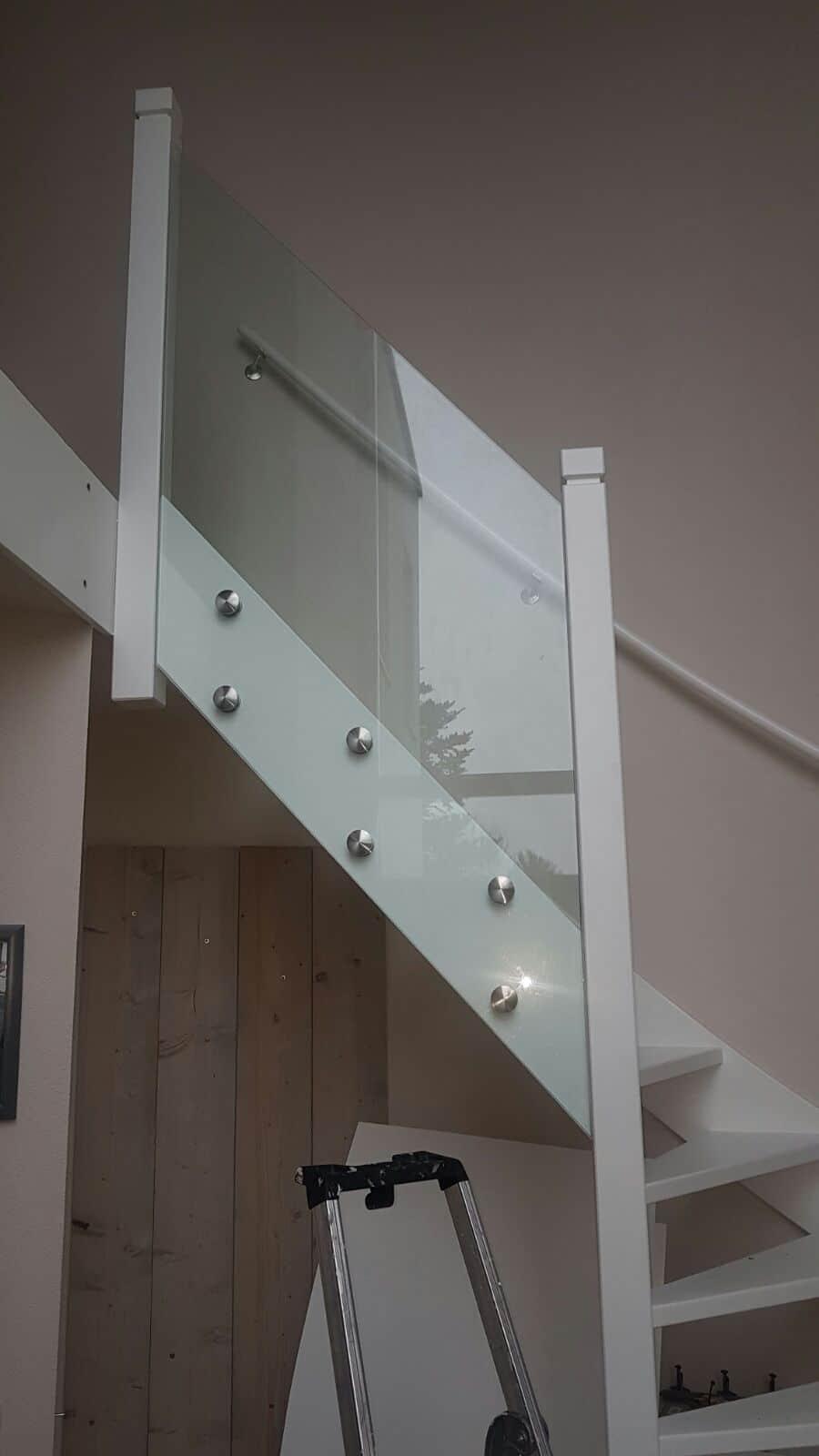 Glazen balustrade modern ruimtelijk for Balustrade trap