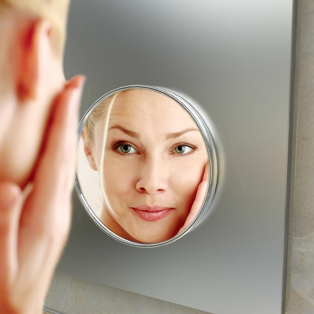 make up spiegel op het glas licht uit